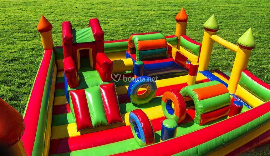 Castillo hinchable multicolor