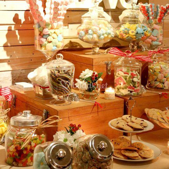 Mesa de chuches y cookies