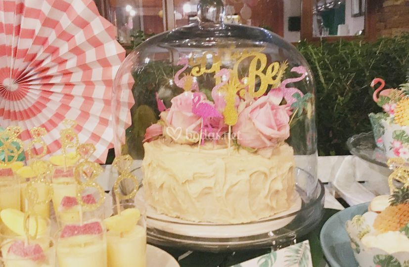 Preciosa tarta nupcial