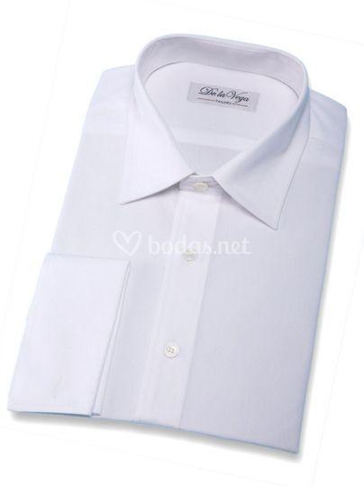 Camisa blanca cuello italiano y puño francés