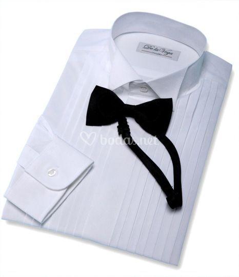 Camisa wing collar con pajarita