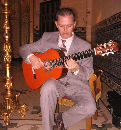 Javier Ruiz- Guitarra Solista