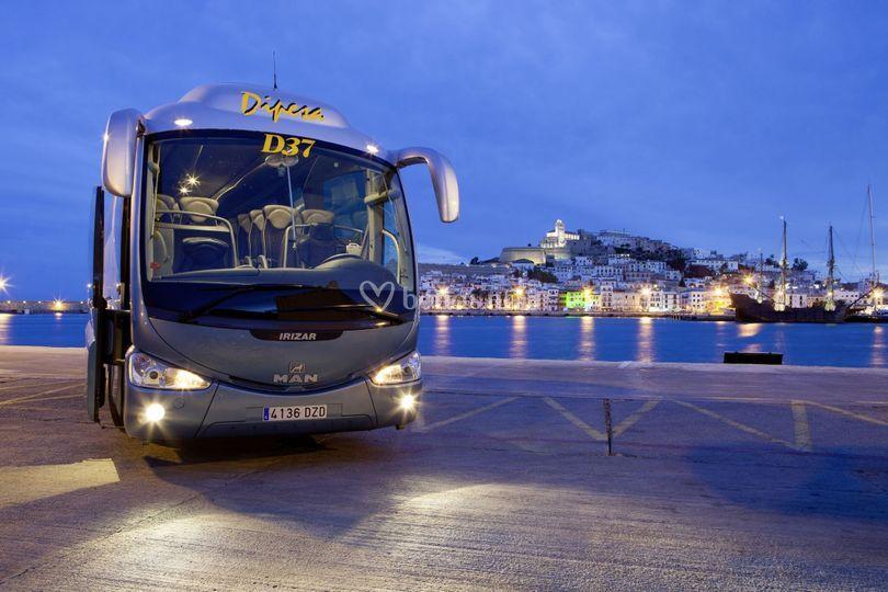 Bus/ autocar