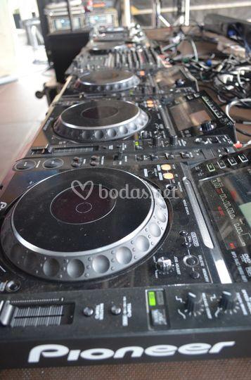 Set DJ Pioneer