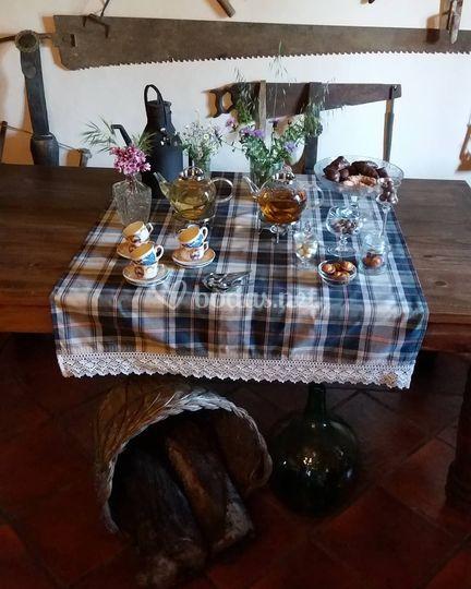 Mesa de tés