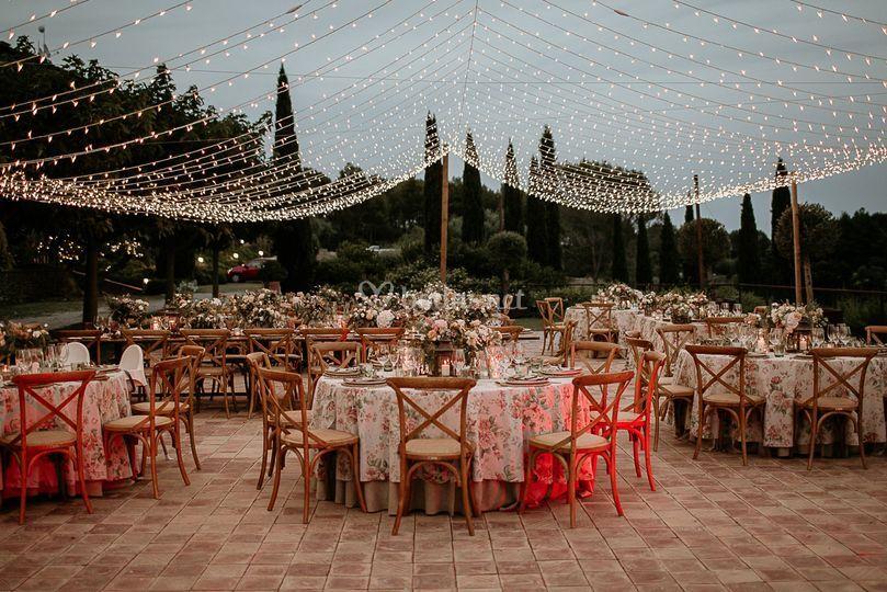 Banquete exterior en el prado