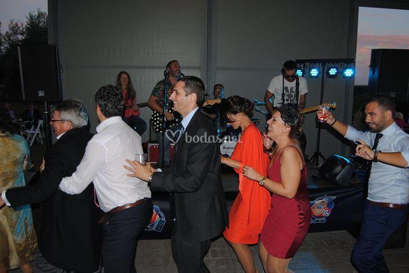 Bailando la conga