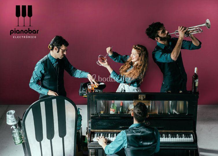 Pianobar electrónico