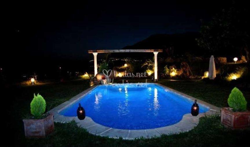La piscina y su iluminación