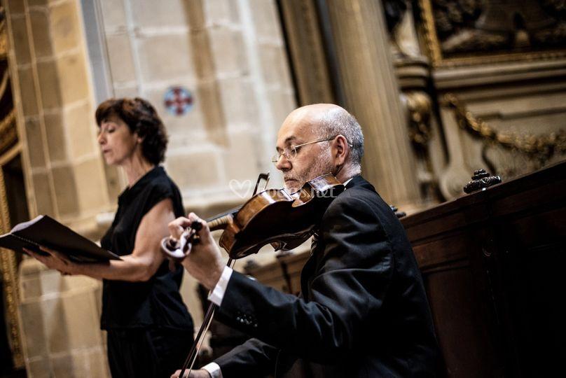 Sotto Voce, soprano y violín