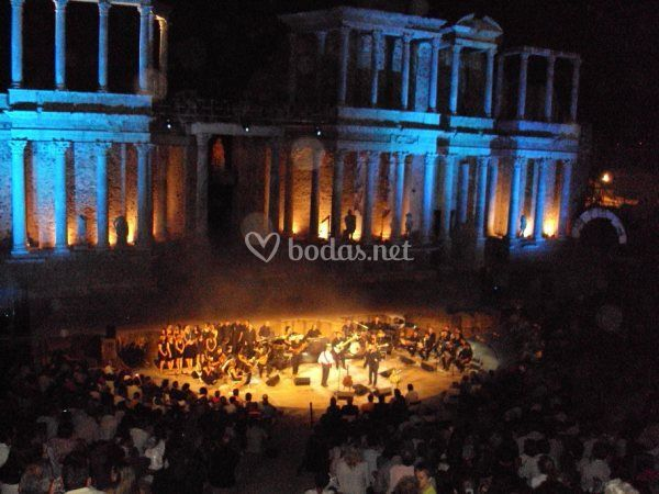 Iluminación ysonorización del Teatro Romando
