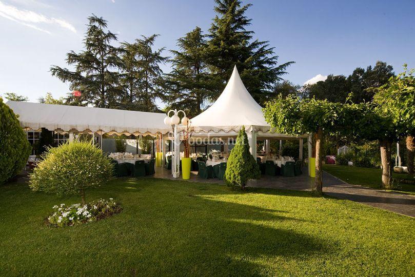 Men s para banquetes de grupo san francisco restaurante for Boda madrid jardin