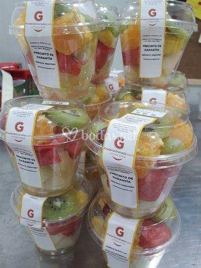 Vasitos fruta cortada