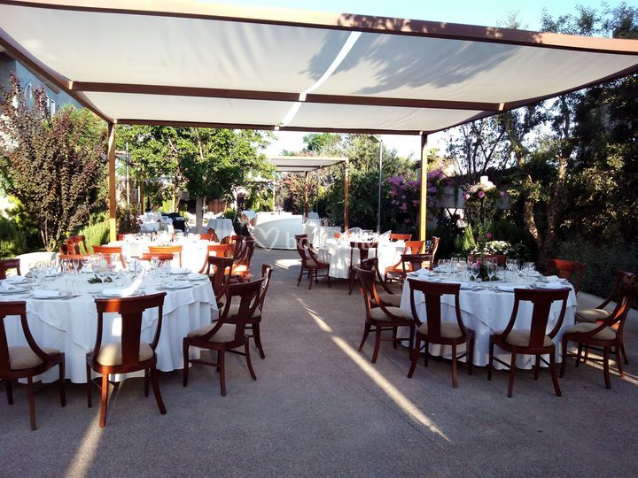 Banquetes en el jard n de mediterr neo restaurante y - Salones mediterraneo albal ...