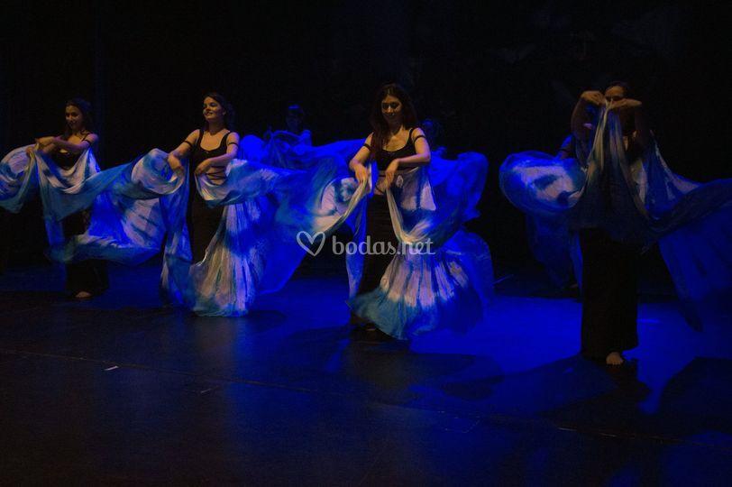 Actuación con alas de seda