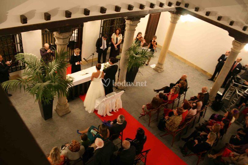 Ceremonia civil en el Patio de Columnas