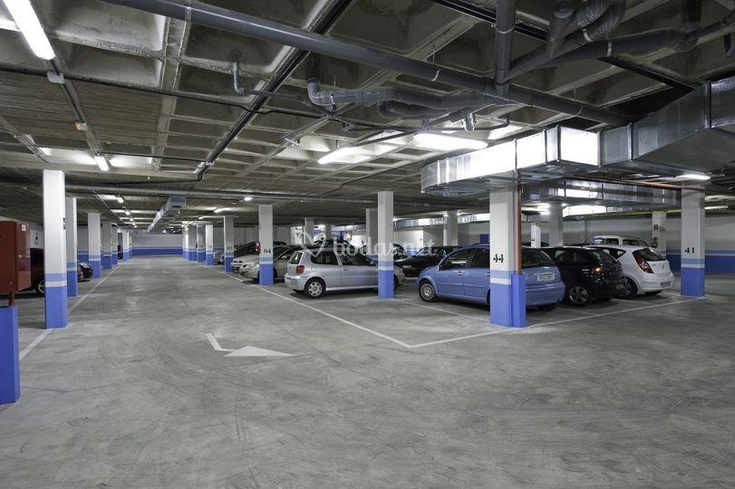Amplio parking para invitados