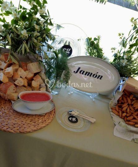 Detalle de mesa de jamón