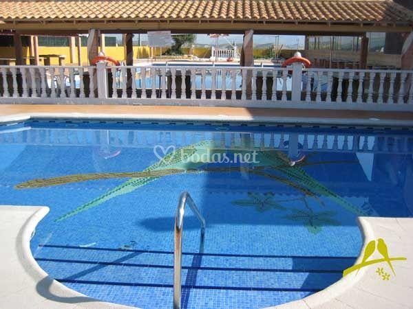 piscina de hotel los periquitos foto 4