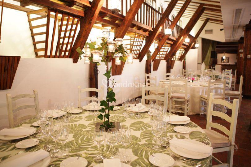 Montaje banquete salón