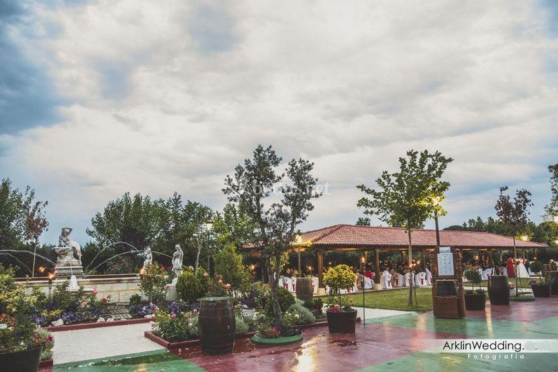 Jardín y pérgola de Restaurante Teodoro