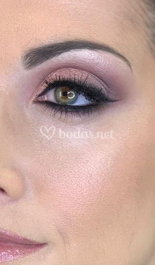 Annabel Soto Make Up