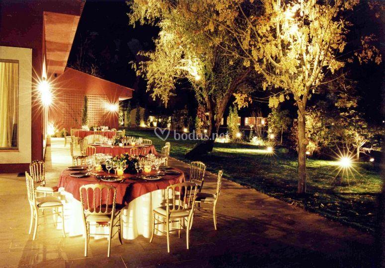 Banquete exterior de noche