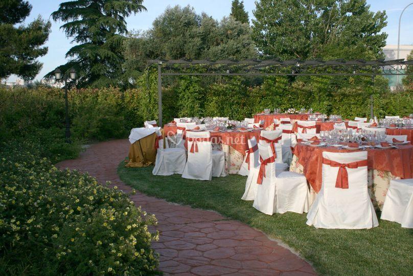 Fotos de olivos en jardines latest jardin with fotos de for Cementerio jardin de paz