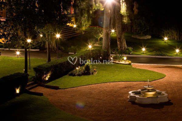 Iluminaci n nocturna jardines de hacienda el cordob s foto 6 - Iluminacion de jardines fotos ...