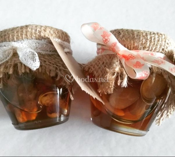 Miel con frutos secos
