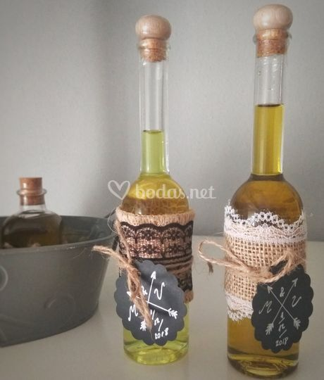 Botellas de aceite y licor