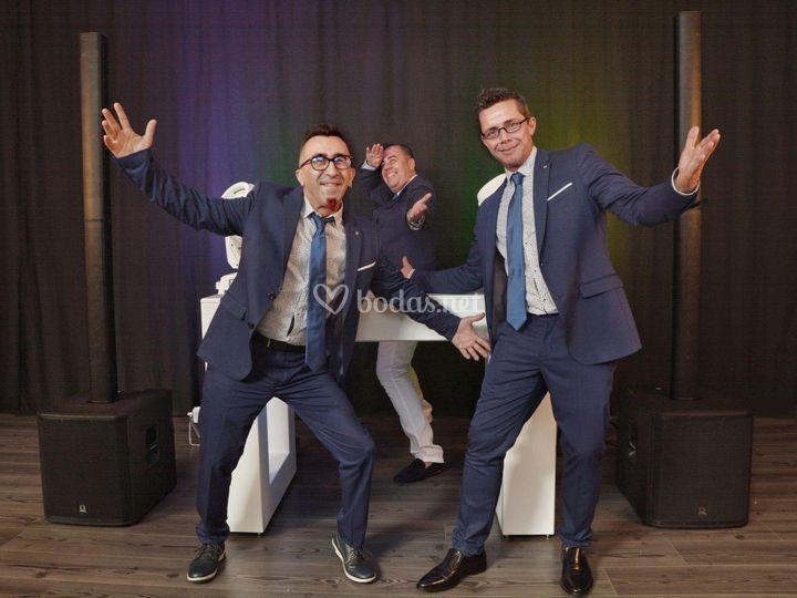 Fiesta en tu boda a cargo de los dj