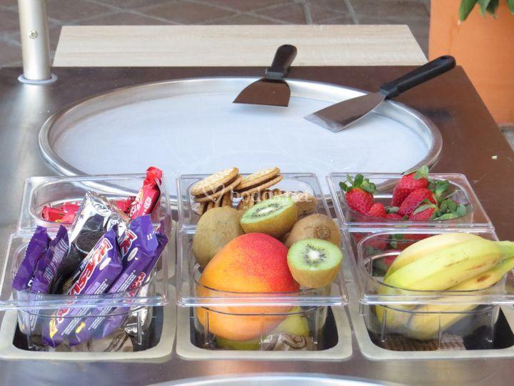 Fruta fresca y chocolates