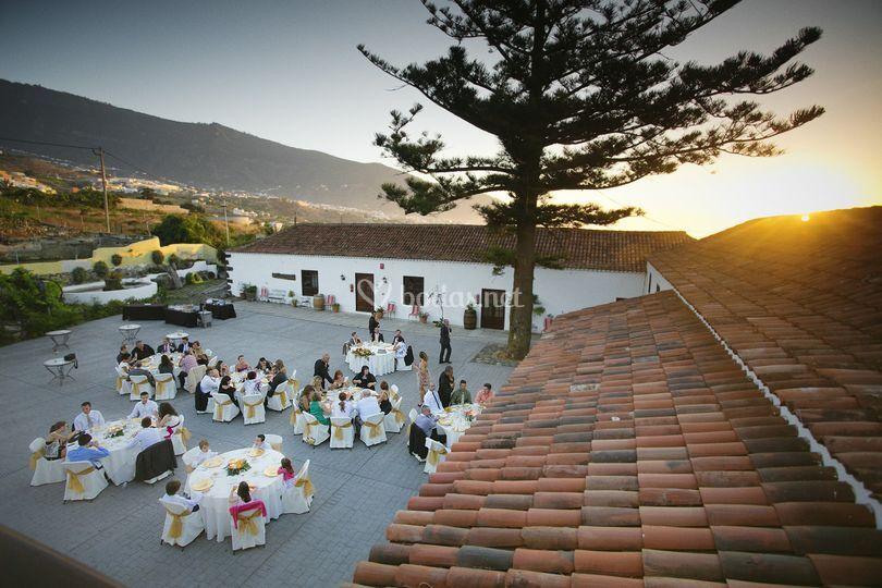 Banquete puesta de sol