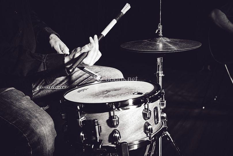 Jazz: batería, piano y voz