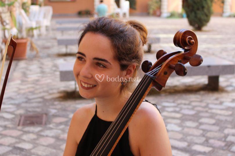 Lucía, Cello