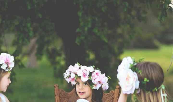 Los niños, boda paralela