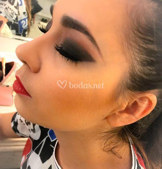 María León - Makeup artist