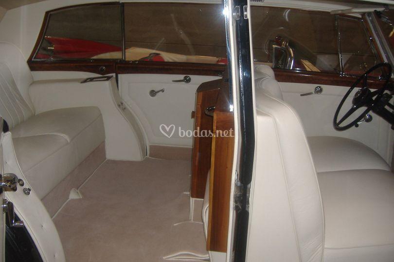 Interior Rolls Royce año 1954