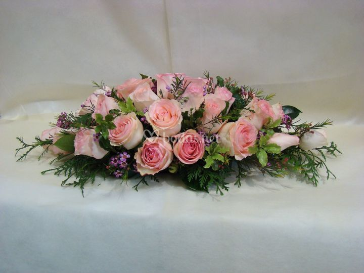 Arreglo floral coche de novias