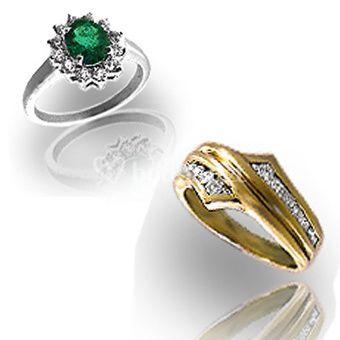 Medias alianzas de diamantes y sortijas para pedida