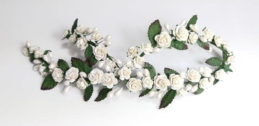 Tocado novia floral con hojas