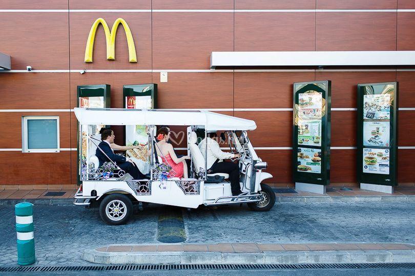 Novios en el McDonalds