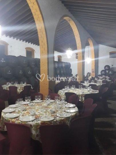 Bodega - salón. Banquete