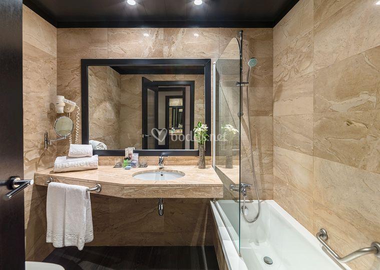 Baño habitación deluxe
