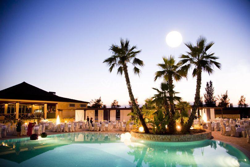 Boda en la piscina del hotel - Prortur Biomar Gran Hotel & Spa