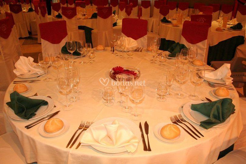 Disposición mesa banquete