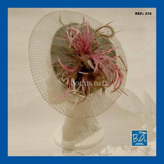 B.A. Tocados y sombreros Tocado japonés con tul plisado en rosa y gris cf741fbdeb3