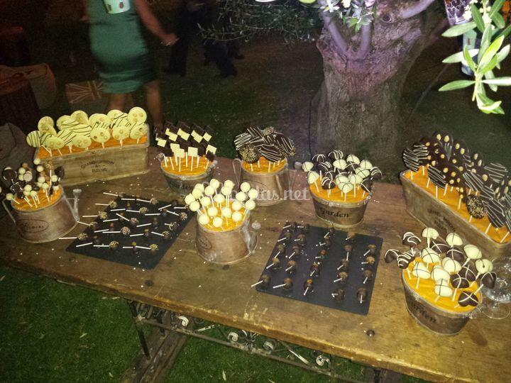 Mesa de chocolates para boda
