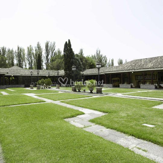 Jardines de Los Porches